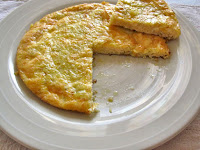 Φριτάτα με πατάτα τριμμένη και γραβιέρα Τήνου - by https://syntages-faghtwn.blogspot.gr