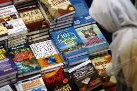 buku sebagai barang yang laris di bisnis online