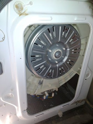 5 pasang kasa di kolong bawah mesin cuci