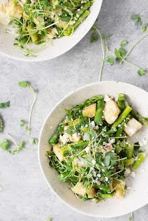 asparagus panzanella salad vegetarian asparagus dish