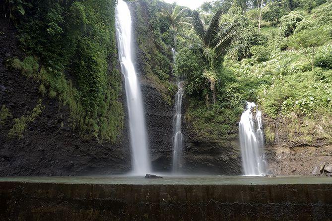 Curahan air terjun Songgo Langit saat musim penghujan