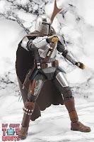 S.H. Figuarts The Mandalorian (Beskar Armor) 17