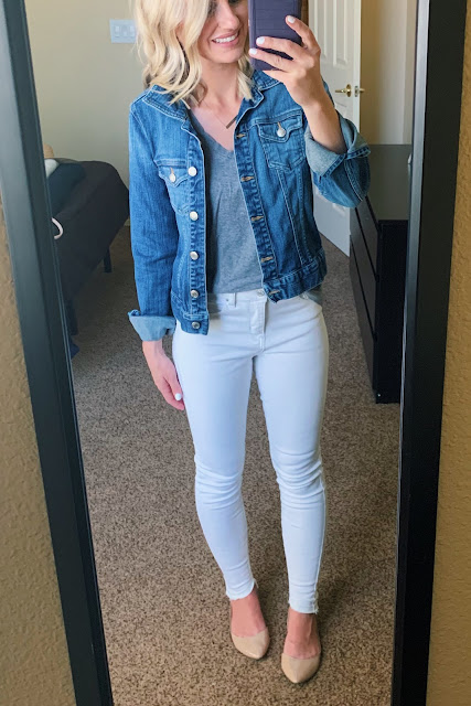 White jeans with a denim jacket