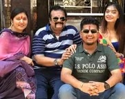 divya agarwal with her family