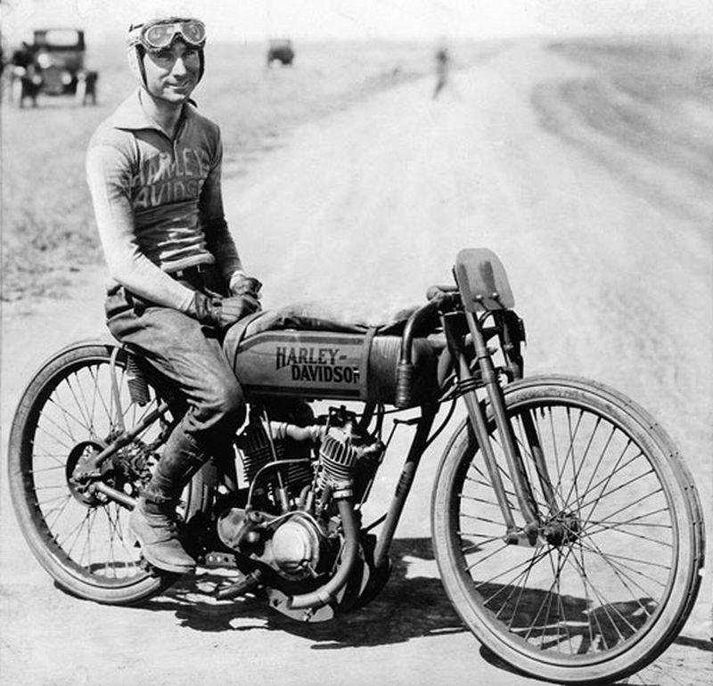 MOTOS en NOIR & BLANC - Page 12 Vintage-harley-davidson-racing-jersey-4
