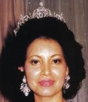 aquamarine tiara pahang malaysia queen tengku ampuan azizah puan nora johor