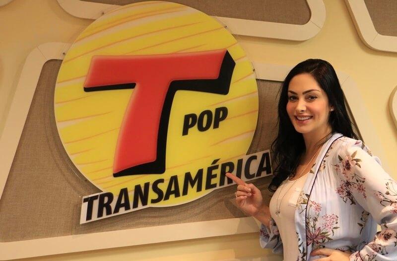 Francine Piaia é a nova apresentadora da Rádio Transamérica