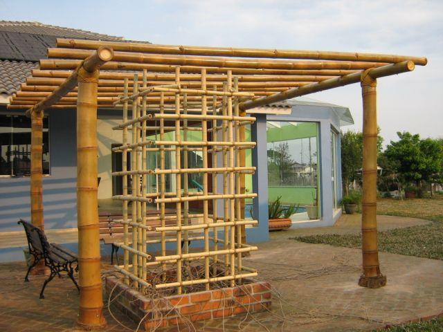 jardim vertical bambu:Outra dica é criar vazados nos pergolados nos locais onde cresce a
