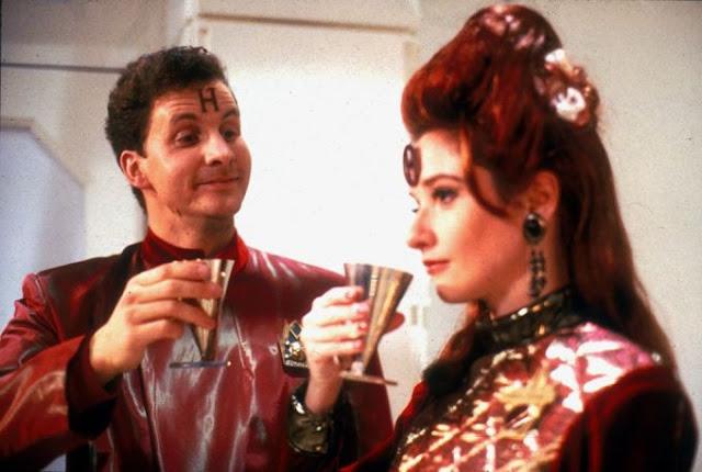 "Arnold Rimmer (Chris Barrie) with Nirvanah Crane (Jane Horrocks) in ""Holoship"""