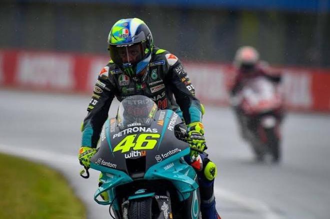 Valentino Rossi Resmi Pensiun dari MotoGP, Ini Deretan Prestasi Sepanjang Kariernya