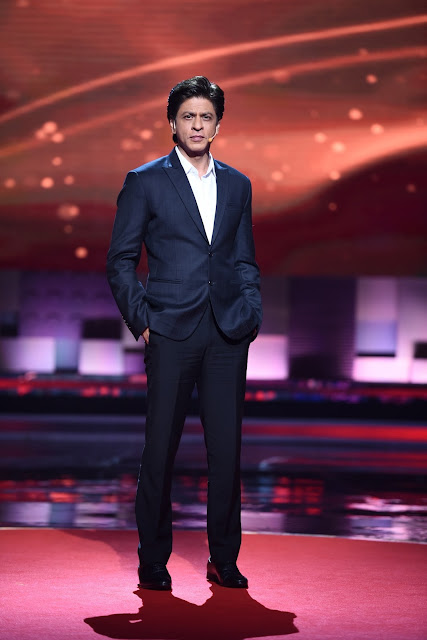 SHAHRUKH TURNS SPEAKER ALONG WITH AR RAHMAN AND RAJNIKANTH