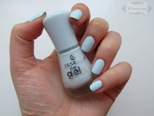 Essence The Gel 63 Itsy bitsy blue bikini