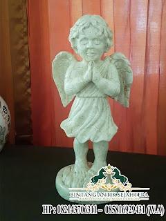 Pengrajin Patung Malaikat