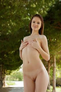 赤裸的黑发 - alice_may_24_39765_3.jpg