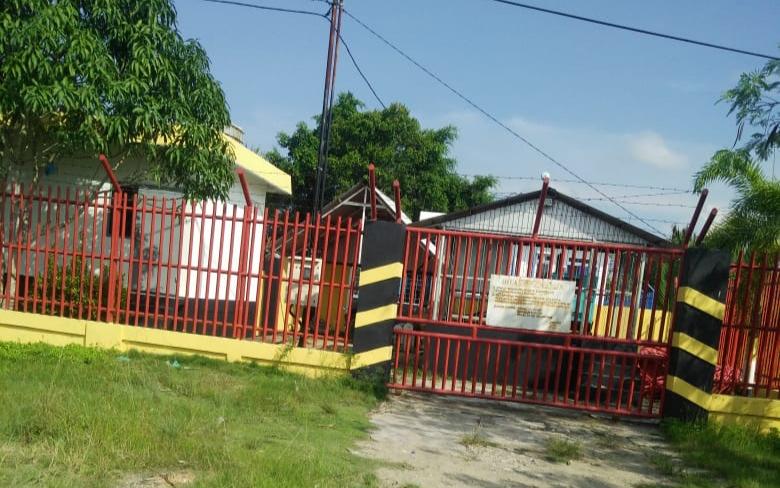 Perangkat jaringan internet Shelter Malavaring  Kabupaten Tanjung Jabung Barat. (Poto/anto)