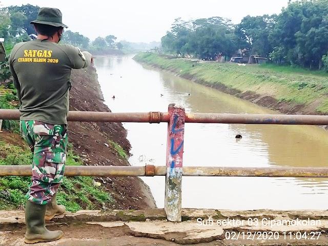 Progres Pengerukan Sedimentasi Sungai Cipamokolan Mencapai 2.300 Meter