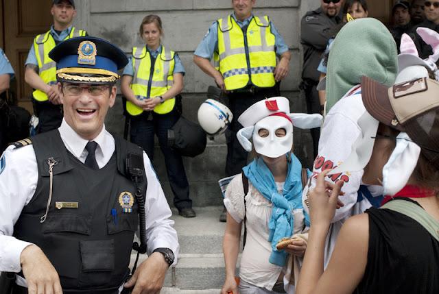 Manifestation, audience publique sur le port du masque, 15 mai 2012, Hôtel de ville de Montréal [photos David Champagne]