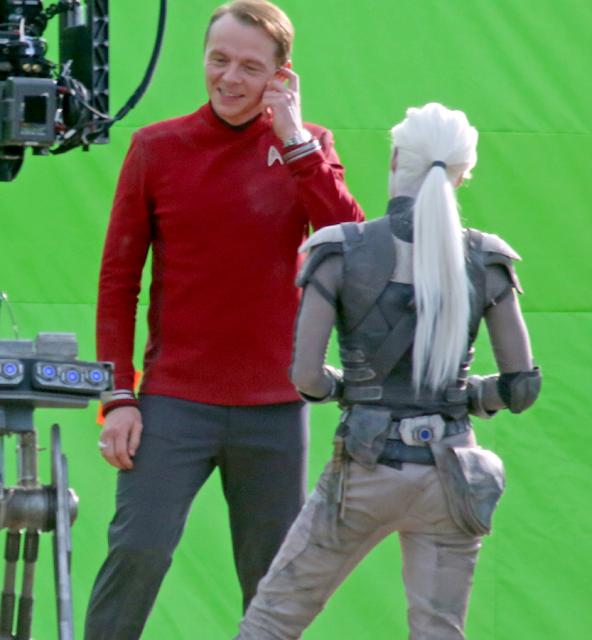 Primele imagini de la filmările producţiei Star Trek Beyond: Sofia Boutella şi Simon Pegg