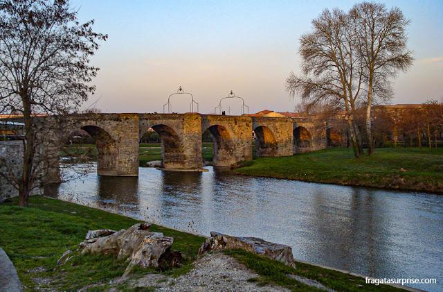 Pont Vieux (Ponte Velha), em Carcassonne, França