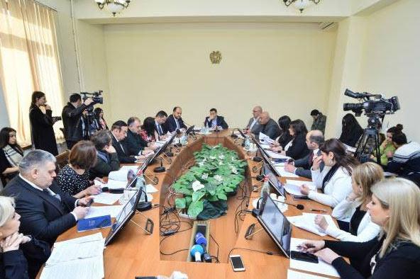 Diez premios estatales se establecerán en Armenia