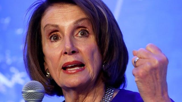 """Facebook se niega a eliminar un video viral falso de Nancy Pelosi """"borracha"""""""