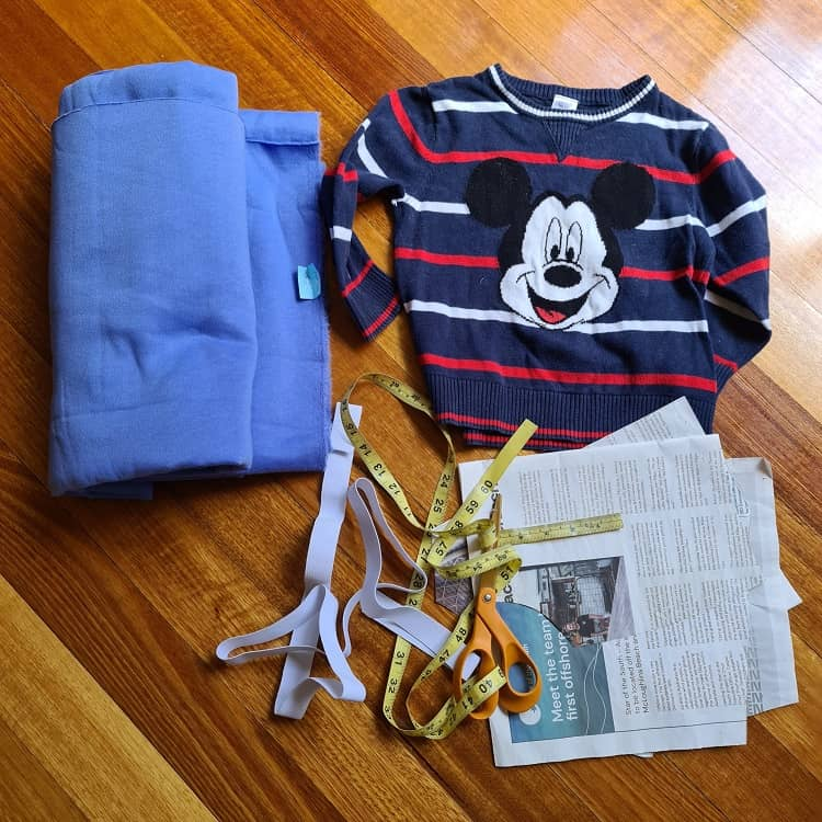 DIY Disney Mickey Mouse jumper co-ords