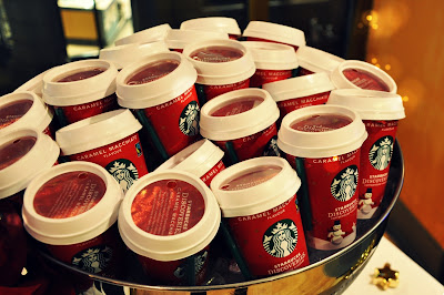 Starbucks bei Mirgos: Caramel Macchiato Red Cup // Weihnachts-Special
