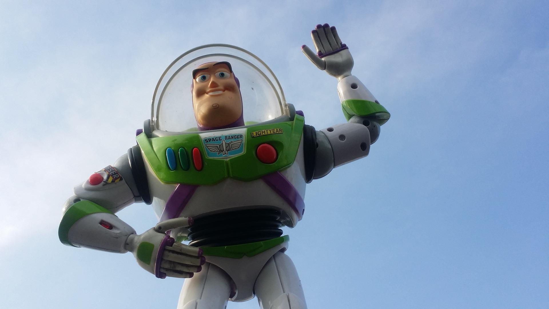 Cara-Menjadi-Minimalis-Toy-Story