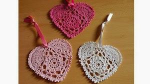 Corazones para decoración al crochet