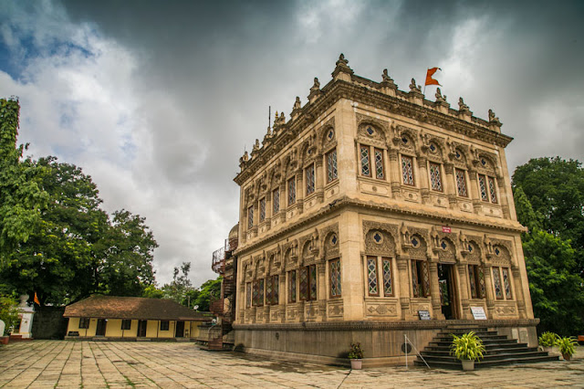 shinde chhatri pune travel guide photo