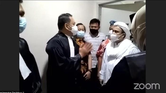 Momen Saat Hakim Panggil Terdakwa Rizieq Shihab dengan 'Habib'