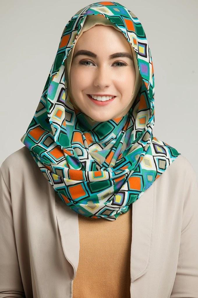 Della Hijab