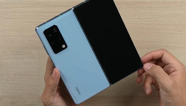 مميزات Huawei Mate X2