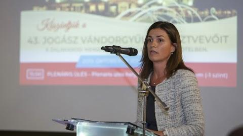 Varga Judit: a globális technológiai cégek vizsgálatára van szükség