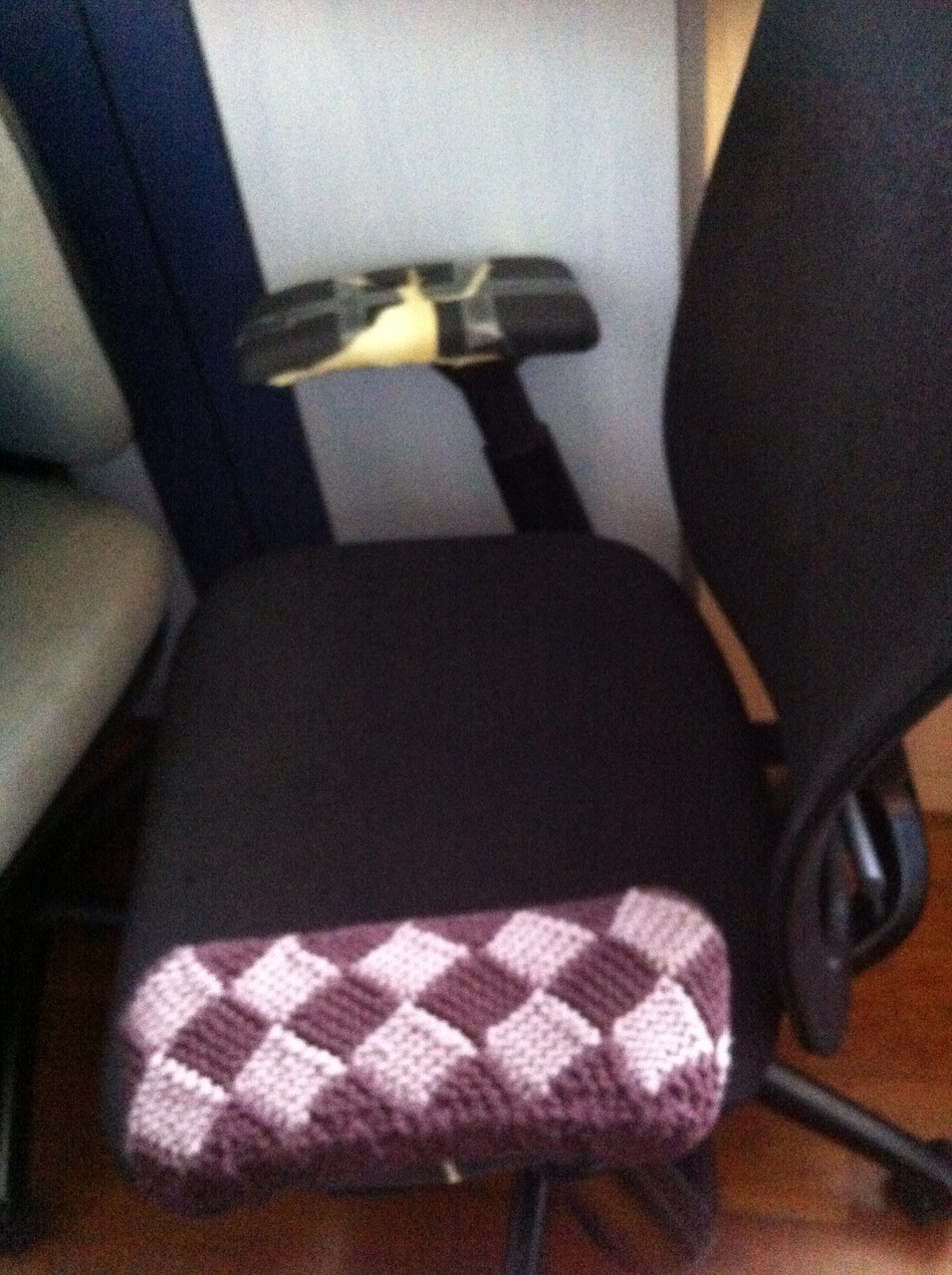 Simply Hobby Knit Knitted Entrelac Office Chair Arm Cover