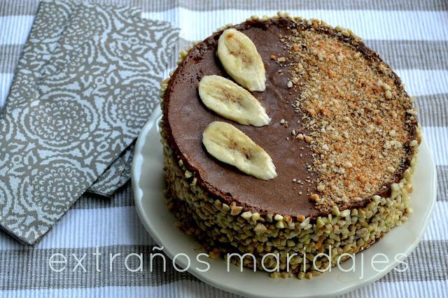 Dacquoise De Almendra Con Mousse De Chocolate Y Plátano Carmelizado