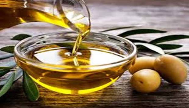 If you are wishful for a strong immune system, then olive oil is the best and useful oil. There is omega 6 element found in olive oil that prevents the body from several fatal diseases. Being an antioxidant, the olive oil prevents the body from toxins, infection and several germs.