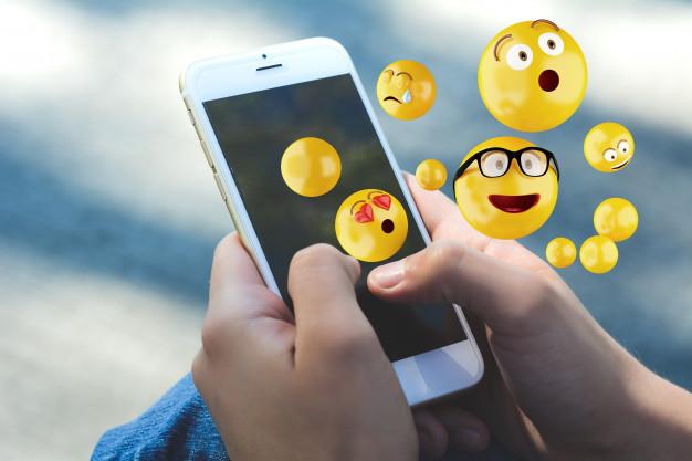افضل 7 تطبيقات للرموز التعبيرية Emoji لأجهزة  Android و  iOS