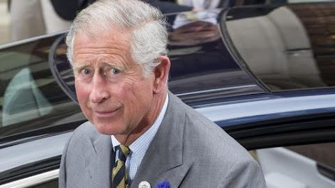 Hoppá: filmforgatáson kapták lencsevégre Károly herceget – fotó