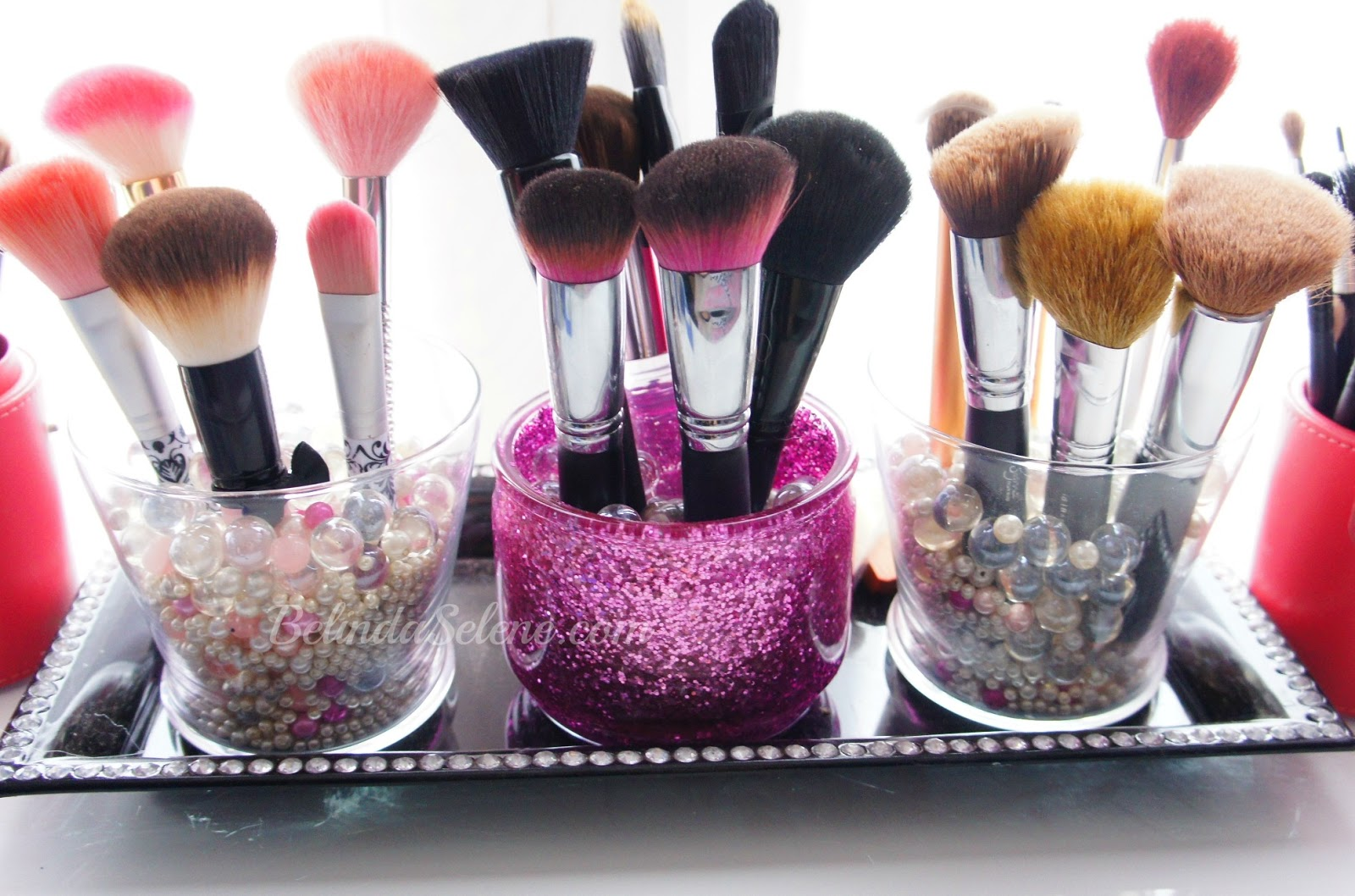 BelindaSelene: DIY Glitter Makeup Brush Holder