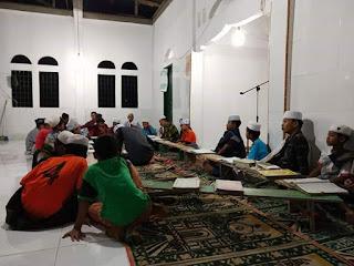 Memakmurkan Masjid Di Bulan Ramadhan Anak -Anak Bertadarus secara Bersama
