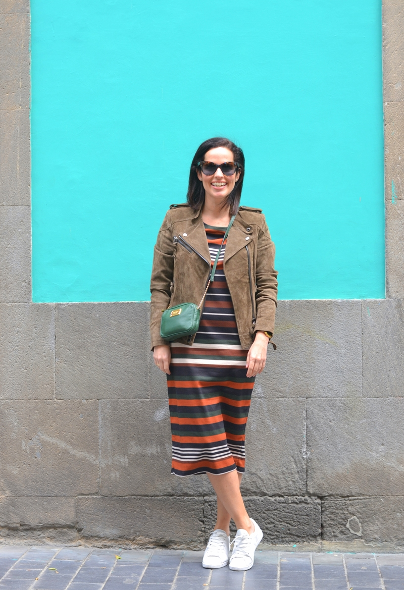 stripes-dress-mango-street-style