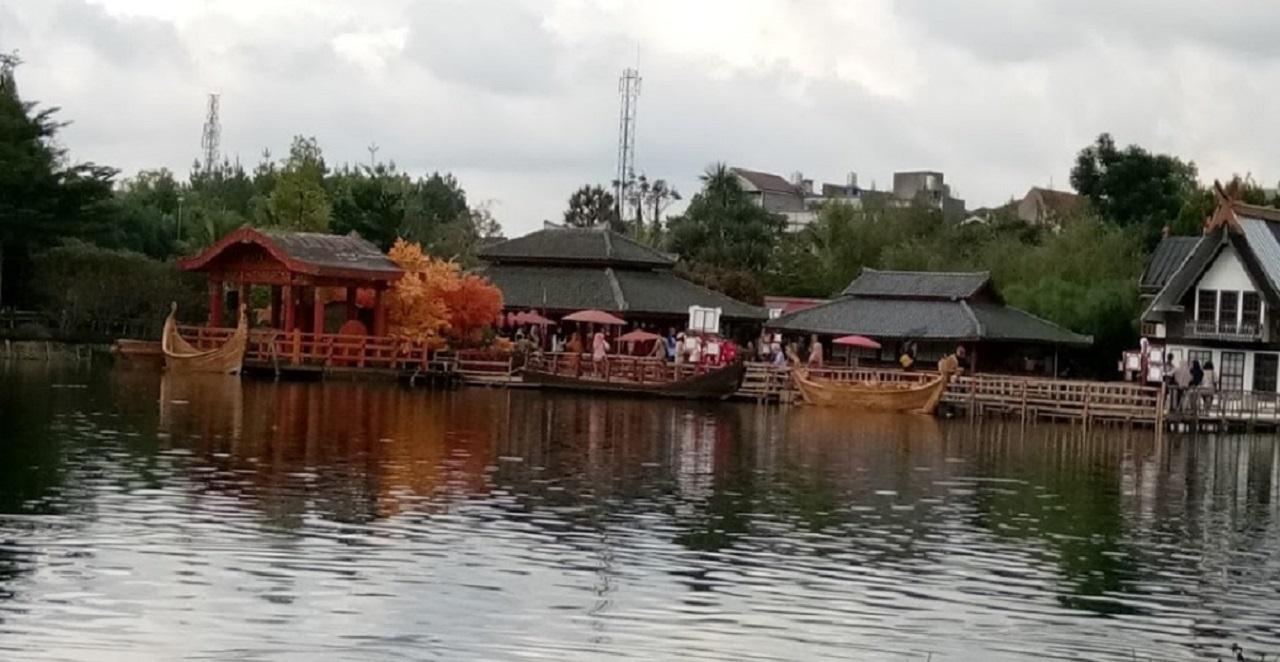 Liburan ke Kyotoku Floating Market