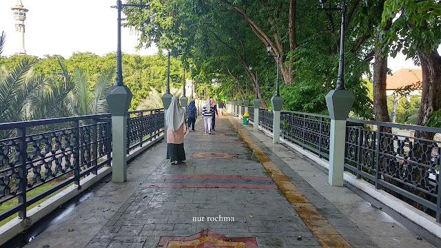 jogging trcak alun-alun gresik
