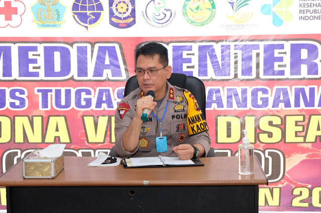 Kapolda Jambi Pimpin Briefing Posko Gugus Tugas Penanganan Covid-19 Provinsi Jambi, Untuk Membahas Pembagian Bansos