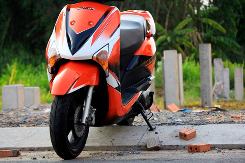 Sơn xe Honda SCR phối màu cực đẹp