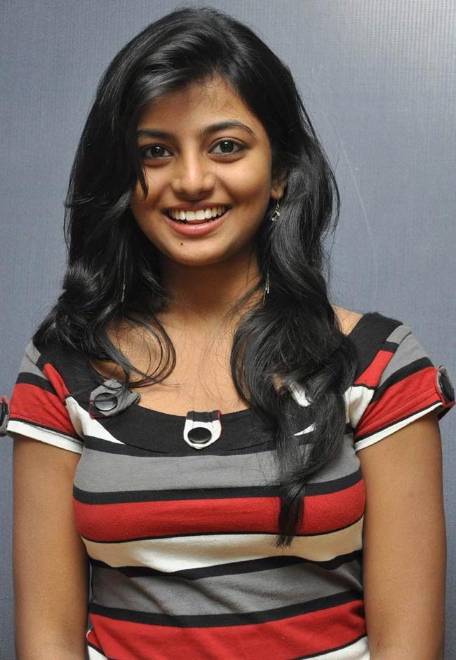 Anandhi Cute Smile Stills Latest Indian Hollywood Movies Updates Branding Online And Actress