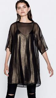 http://www.pullandbear.com/pl/pl/dla-niej/odzie%C5%BC/sukienki/metalizowana-sukienka-z-kr%C3%B3tkim-r%C4%99kawem-c29016p100819004.html#303