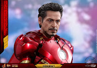 Hot Toys Iron Man 2 Mark IV with Suit-up Gantry Collectible Set