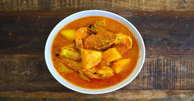 Pineapple Curry With Prawns Recipe